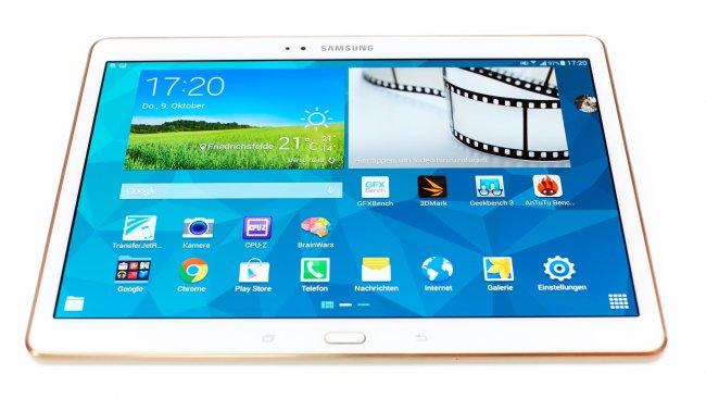 Auf den ersten Blick ist das Galaxy Tab S 10.5 kaum von anderen Samsung-Tablets zu unterscheiden