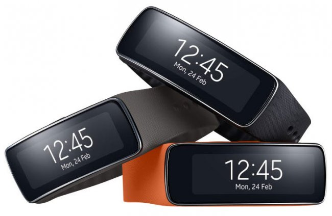 Samsung Gear Fit: Erweiterung der zweiten Gear-Generation mit einem leichten, funktionalen Band mit Curved AMOLED-Display [Bildmaterial: Samsung]