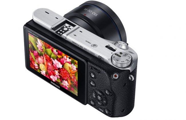 Kaum 300 Gramm schwer: Die Samsung NX500 [Bildmaterial: Canon]