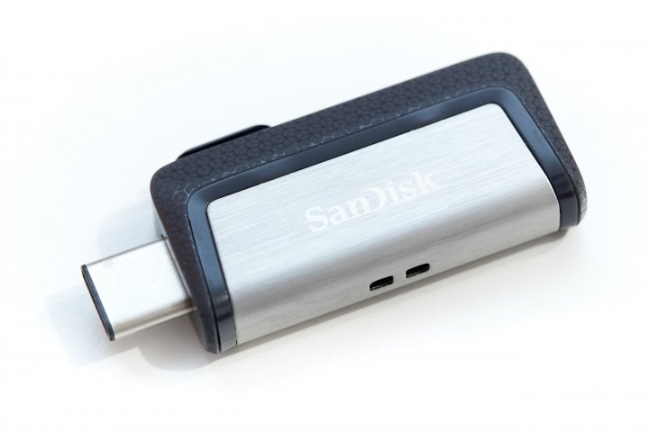 SanDisk Ultra Dual Drive USB-C: Bietet USB Typ-C und USB Typ-A über einen Schiebemechanismus
