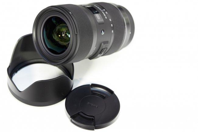Sigma A 18-35 DC OS HSM (Canon) mit Gegenlichtblende