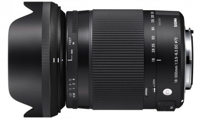 Sigma C 18-300 mm f/3.5-6.3 DC OS HSM Makro [Bildmaterial: Sigma]