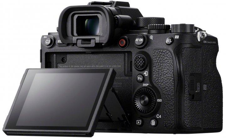 Sony Alpha 1: Das Display ist (wieder) kippbar, der EVF kommt auf 9,4 Mio. Bildpunkte [Bildmaterial: Sony Deutschland]
