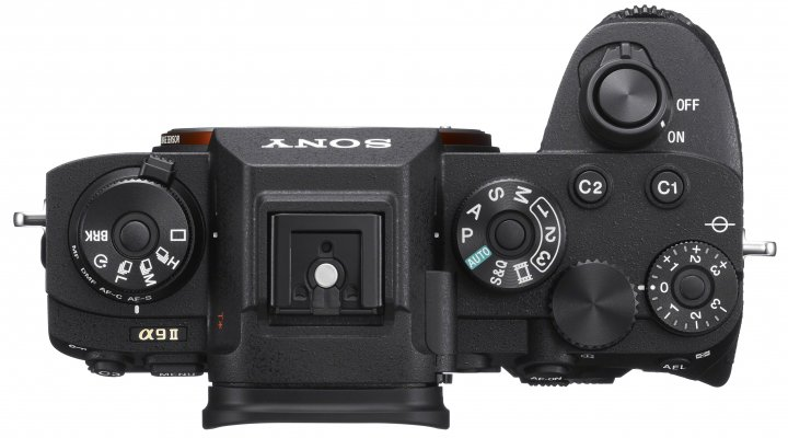 Sony Alpha 9 II: Der Griff wurde vergrößert und die Belichtungskorrektur erhält einen Lock-Schalter [Bildmaterial: Sony]