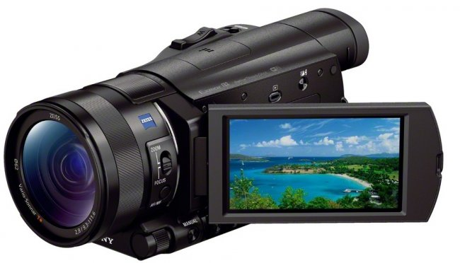 Sony FDR-AX100E auf der CES 2014 (Bildmaterial: Sony)