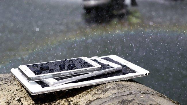 Sony Xperia Z3-Familie: Auch wieder gegen Staub und Wasser geschützt [Bildmaterial: Sony]