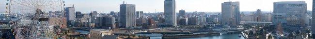 Panoramaaufnahme aus der Yokohama Bay mit dem Tamron SP 70-300 mm f/4-5.6 Di VC USD