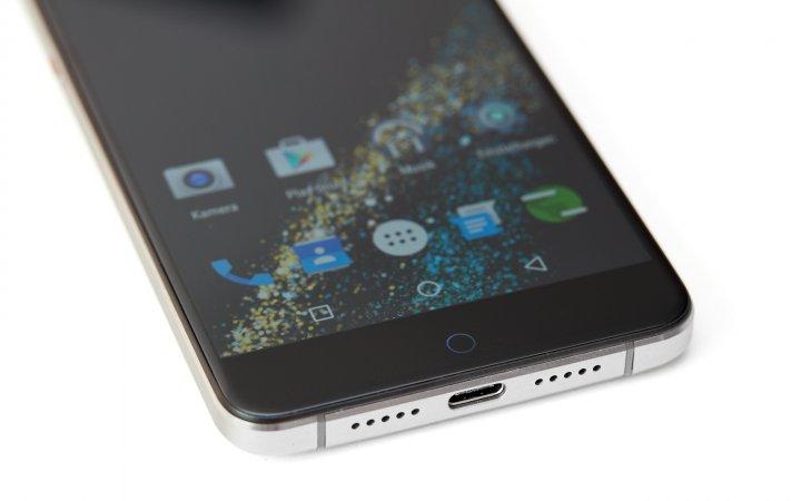 UMI Super 4G: Verbunden wird das Smartphone via USB-C