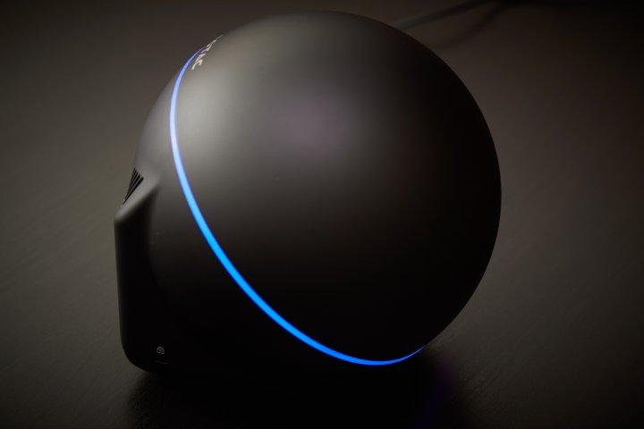 ZOTAC ZBOX Sphere OI520 - Der LED-Ring leuchtet im Betrieb in blau
