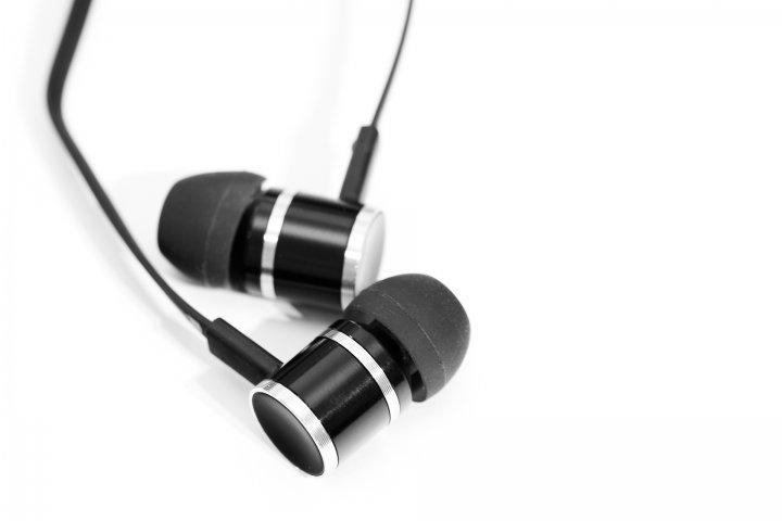 beyerdynamic DX 160 iE In-Ear-Kopfhörern mit Vollmetallgehäuse