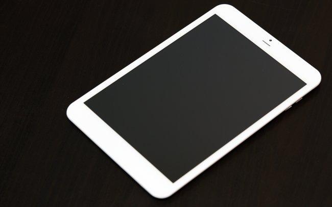 Sieht dem Apple iPad Mini von vorne erstaunlich ähnlich: i.onik TP7.85-1200QC-3G