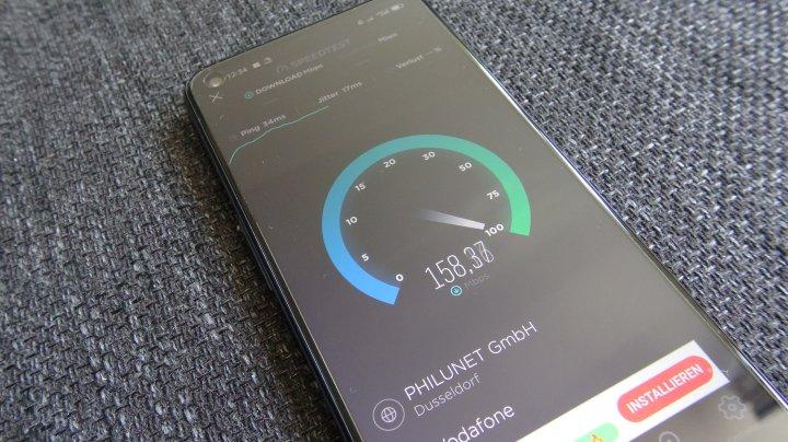 Das realme 8 5G ist nicht nur via 5G, sondern auch via 4G flott unterwegs