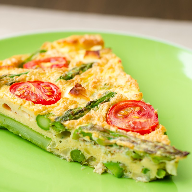 Fotowettbewerb - Bild mit dem Namen: Crustless Quiche with green asparagus, feta cheese and cherry tomatoes